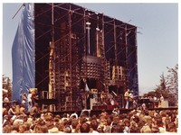 Grateful Dead: distant view of the stage and the Wall of Sound