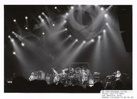 rateful Dead: Phil Lesh, Bob Weir, Bill Kreutzmann, Mickey Hart, Jerry Garcia, Vince Welnick