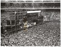 Grateful Dead at Giants Stadium: distant view over the audience to the stage