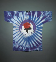 "T-shirt: ""Grateful Dead"" - stealie, roses. Back: ""Fall Tour 1994"" - rose"