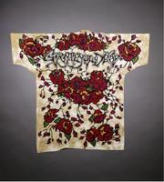"""T-shirt: Skull, roses. Back: """"Grateful Dead"""" - roses"""