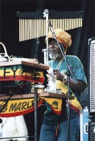 """Uzziah """"Sticky"""" Thompson with the Melody Makers"""