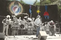 Grateful Dead: Phil Lesh, Bill Kreutzmann, Mickey Hart, Bob Weir, Jerry Garcia