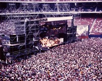 Grateful Dead at Giants Stadium: distant view over the audience towards the stage