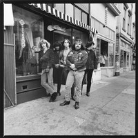 "Grateful Dead: Phil Lesh, Jerry Garcia, Bob Weir, Ron ""Pigpen"" McKernan, Bill Kreutzmann"