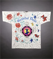 "T-shirt: ""Grateful Dead"" - roses, bears, skulls"