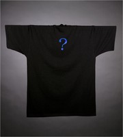 "T-shirt: Skeleton as ""The Fool"" tarot card. Back: question mark"