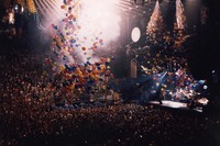 Grateful Dead at the Oakland Coliseum Arena: model of the Golden Gate Bridge, and balloon drop
