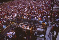 Unidentified crew members and Deadheads, summer 1993